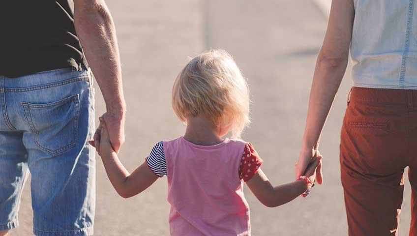 Спорные моменты при определении места жительства детей и определении порядка общения с детьми.